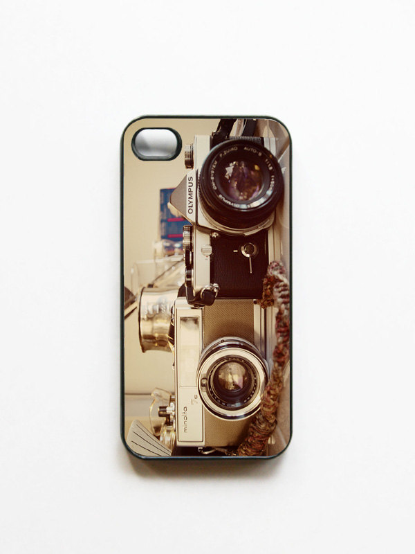 iPhone Case. Vintage Camera Photo. Black or White Case. iPhone 4 and 4S Accessory. Retro Cameras Photo. Gifts for Him. Geekery.